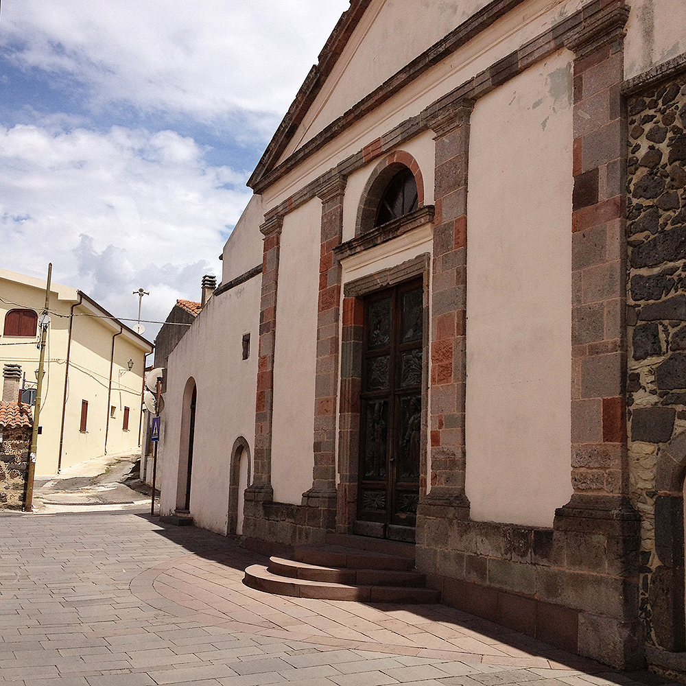 Tadasuni. Recupero piazza chiesa di San Nicola